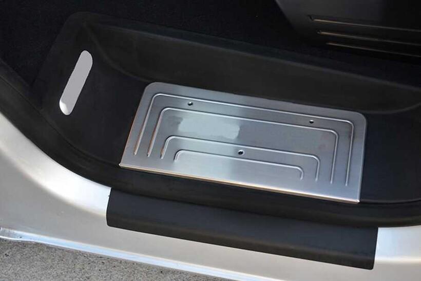 Krom Aksesuar » Omsa - VW T5 Caravelle Krom Kapı Eşiği 4 Parça 2003 ve Sonrası